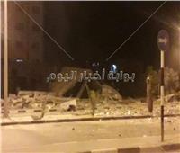 طيران الاحتلال يدمر مبنى وزارة المالية والبنك الوطني بغزة