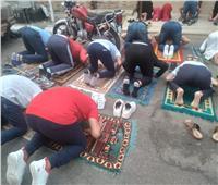 أهالى الغربية يفترشون ساحات المساجد لصلاة عيد الفطر | صور