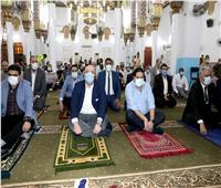 محافظ بني سويف يؤدي صلاة العيد وسط إجراءات احترازية مشددة