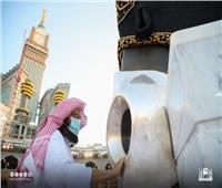 الرئيس العام لشؤون المسجد الحرام يطيب الكعبة المشرفة والحجر الأسود  صور