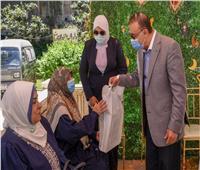 محافظ الإسكندرية يزور دور المسنين والأيتام لتهنئتهم بعيد الفطر  صور
