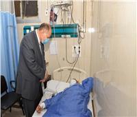 محافظ أسيوط يزور المستشفيات العامة لتهنئة المرضى بعيد الفطر