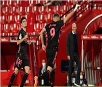 شاهد| «ريال مدريد» يسحق غرناطة ويحتفظ بآمال التتويج بـ «الليجا الإسبانية»