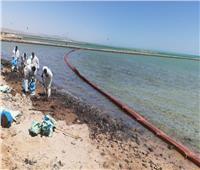 وزيرة البيئة تتابع أعمال مكافحة التلوث الزيتيشمال الغردقة
