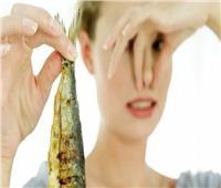 للسيدات .. طرق التخلص من رائحة الفسيخ في الجسم و المنزل