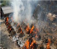 جثث في الأنهر.. كابوس كورونا المتحورة ينشر الرعب في الهند