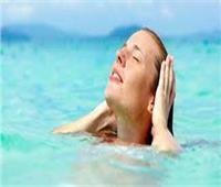 قبل الصيف  فوائد ماء البحر للبشرة
