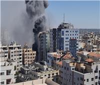 فيديو  إسرائيل تستهدف برج الجلاء في غزة بـ 4 صواريخ