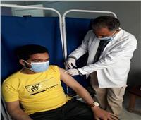 زيادة الإقبال على مركز التطعيم للحصول على اللقاح بمستشفي العريش العام