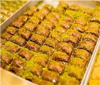 حلويات العيد  طريقة عمل البقلاوة بالشوكولاتة والبندق