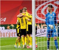 بوروسيا دورتموند يضمن التأهل لدوري الأبطال بـ«ثلاثية» في ماينز