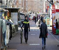 هولندا تعتزم تخفيف قيود الإغلاق المكافح لـ«كورونا» بعد غد