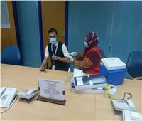 الانتهاء من تطعيم العاملين بمطاري الغردقة ومرسى علم بلقاح كورونا | صور