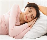 4 طرق للنوم تخفف من آلام الظهر والرقبة