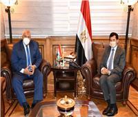 وزير الشباب يلتقي محافظ الوادي الجديدلبحث المشروعات الرياضية