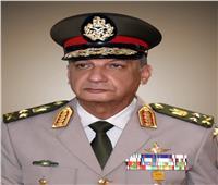 وزير الدفاع يغادر إلى قبرص في زيارة رسمية