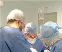 «الرعاية الصحية» تعلن نجاح عملية استعاضة جزء من عظام الجمجمة لوافد يمني