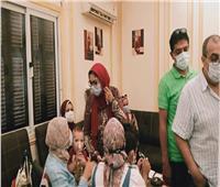 وكيل «صحة الغربية» يتابع الفرق المتحركة لتطعيم المواطنين بنقابة الصيادلة