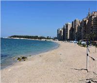 لا تدفع شيئا..«المندرة» أول شاطئ مجاني بالكامل في الإسكندرية  صور