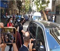 لحظة وصول حسن الرداد لمستشفي الصفا لنقل جثمان سمير غانم