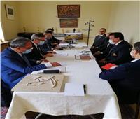 «عبدالغفار» يعقد اجتماعا مع الشركات المتقدمة لمناقصة بناء «بيت مصر» بباريس