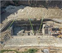 وزير الإسكان يتابع مراحل تنفيذ سد ومحطة توليد كهرباء تنزانيا