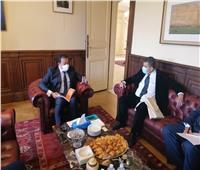 وزير التعليم العالي يزور معهد كوري لعلاج الأورام في فرنسا