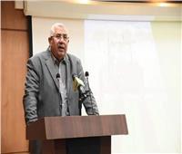 «القصير» ومحافظ بورسعيد يعقدان اجتماعا لمتابعة مشروعات الإنتاج الزراعي والسمكي