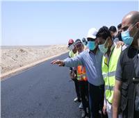 وزير النقل يتابع ازدواج وتطوير الطريق الصحراوي الشرقي «قنا- الأقصر»