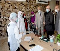 فرق متحركة للتطعيم ضد فيروس كورونا في بني سويف