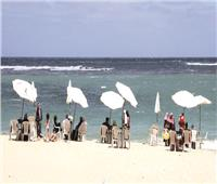 عودة الروح إلى الشواطئ والحدائق.. والالتزام بالإجراءات الاحترازية