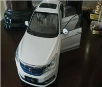 عمرو أديب يكشف موعد طرح أول سيارة كهربائية مصرية الصُنع   فيديو