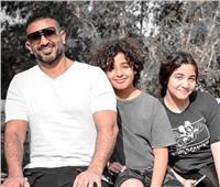 أحمد سعد بصحبة أولاده.. وأصالة تُعلق