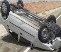 إصابة ٣ أشخاص في حادث إنقلاب سيارة نصف نقل بالشرقية