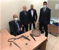 ضبط راكب بحوزته خنجر محظور حيازته وطبنجة أثرية في مطار القاهرة
