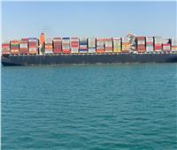 «أسامة ربيع»: حركة الملاحة بالقناة منتظمة.. وعبور 68 سفينة اليوم