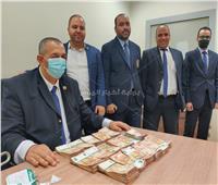 ضبط راكب بحوزته 88 ألف يورو مخبأين في جيوب سرية بمطار القاهرة | صور
