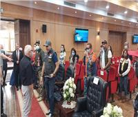 محافظ بورسعيد يلتقي أعضاء نادي «هوكس» للدراجات ضمن رحلتهم السياحية