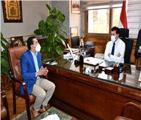 وزير الرياضة يلتقي رئيس لجنة الشباب بنقابة الصيادلة