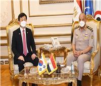 الفريق أول محمد زكي يلتقي وزير برنامج إدارة المشتريات الدفاعية لـ«كوريا الجنوبية»
