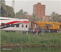 بدء رفع آثار حادث قطار فى «بني سويف»