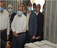 وزير التنمية المحلية يتفقد مشروع إنتاج الـ «٣٠» مليون بيضة بالخانكة