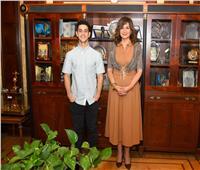 وزيرة الهجرة تلتقي آدم الشرقاوي وتعلنه سفيرًا لمبادرة «اتكلم عربي»