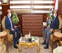 وزير التنمية المحلية يتابع مع محافظ أسوان مستجدات تطوير الريف المصري
