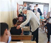 محافظ السويس يتفقد لجان امتحانات الشهادة الإعدادية