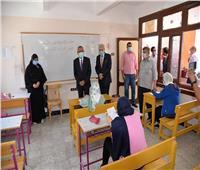 محافظ الإسماعيلية يتفقد لجان امتحانات الشهادة الإعدادية  صور