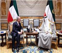 أمير الكويت يلتقي رئيس الوزراء الفلسطيني
