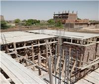 فك شدة خشبية قبل عمل سقف خرساني على مساحة ٢٠٠م٢ بأرمنت