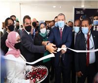 وزير القوى العاملة يفتتح أول وحدة للمساواة بين الجنسين
