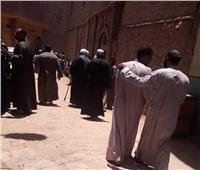 بعد مجزرة الـ 17 قتيلا ومصابا.. أهالي «أبو حزام» يؤدون صلاة الجمعة | صور